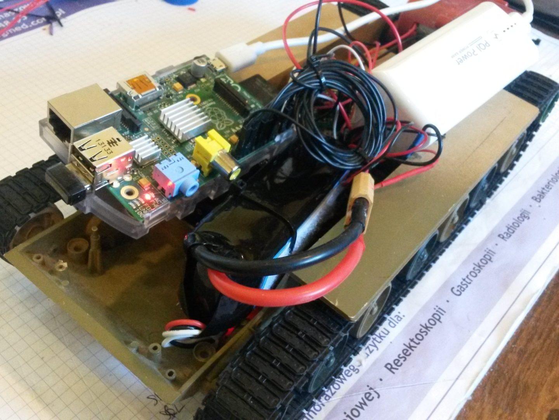 Zdalnie sterowany po WiFi robot z użyciem Raspberry Pi